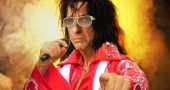 "Alice Cooper ""Elvis Presley asked me to kill him"""