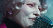 Elizabeth Banks talks Effie Trinket in The Hunger Games