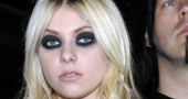 Gossp Girl's Taylor Momsen naked in new video