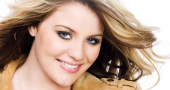 Lauren Alaina living in dream land