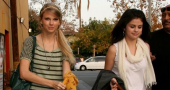 Taylor Swift and Selena Gomez duet together at Madison Square Garden