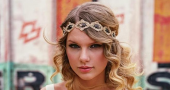 Taylor swift announces support for Speak Now tour.