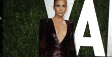 Jennifer Lopez opens up about her body issues