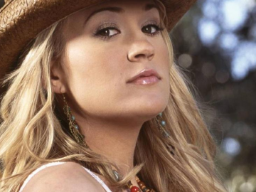 Carrie Underwood Sizzles as a Singer but Falters as a Cook