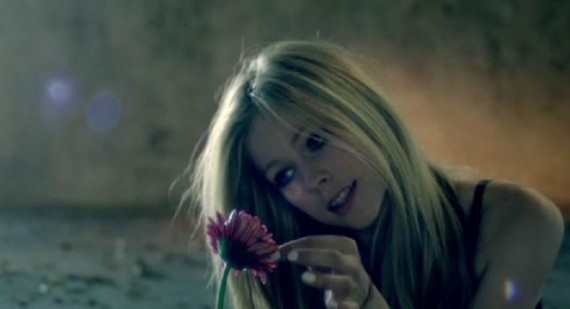 "Avril Lavigne thankful for ""best"" fans following Wish You Were Here music video passing 9 million"