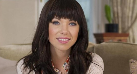 Carly Rae Jepsen & Jessica Lowndes Enjoy Filming For 90210