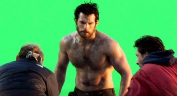 Henry Cavill compares Clark Kent and Superman in Man of Steel