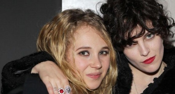 Juno Temple talks girl on girl kissing with Riley Keough