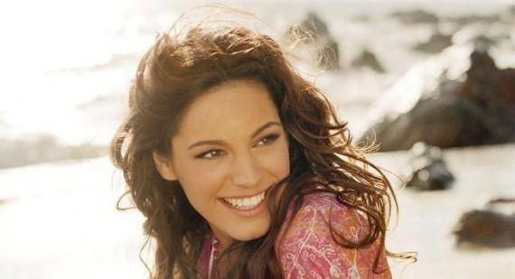 Kelly Brook excited at resembling a whale
