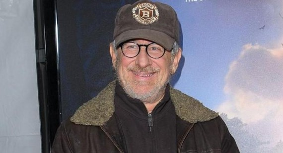 Steven Spielberg hopes Michael Bay will direct Transformers 4