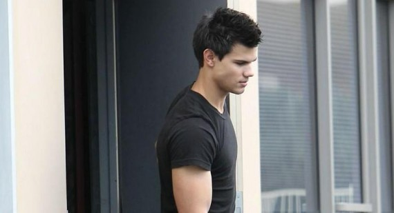 Taylor Lautner says he 'cried watching Twilight: Breaking Dawn'