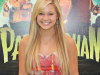Olivia Holt shows other young stars how it should be done