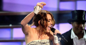 Miley Cyrus confident of winning MTV Video Music Award 2013