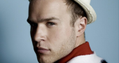 Olly Murs sees Ashton Kutcher on Chatroulette