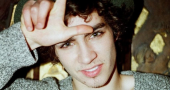Robert Sheehan compares himself to his The Mortal Instruments character