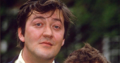 Stephen Fry has never read The Hobbit despite his The Hobbit: The Desolation of Smaug casting