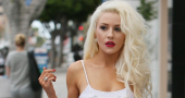Courtney Stodden celebrates St. Patrick's day with themed 'towel' outfit