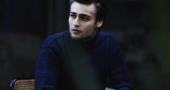 Douglas Booth sings the praises of Laura Whitmore‏
