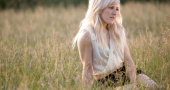 Ellie Goulding angry at claims she cheated on Ed Sheeran with Niall Horan