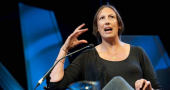 English comedian Miranda Hart reveals enjoyment of holidaying alone