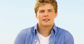 Hunter Parrish is at it again