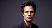Mark Ruffalo brings his 'pyjama' look to fans with SAG Award speech