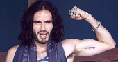 Russell Brand has new dig at Lauren Harries