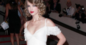 Taylor Swift images what keeps attracting so many guys?