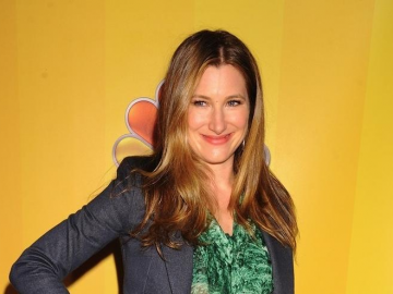 Kathryn Hahn and Philip Seymour Hoffman join Showtime pilot 'Trending Down'
