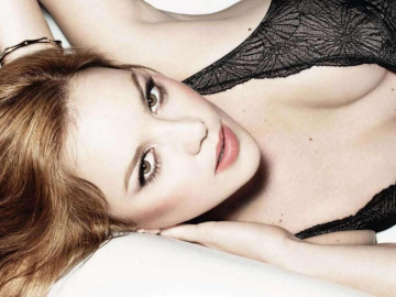 Abbie Cornish says she moved to Los Angeles for romance