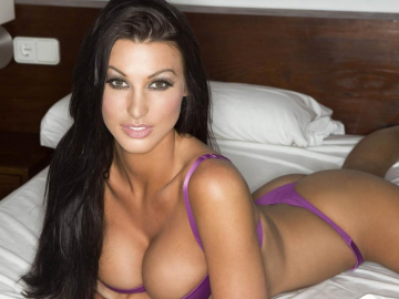 Alice Goodwin amazes insiders as 'quiet' modelling 'brand' star