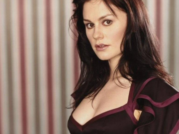 Anna Paquin hits back at the weight jibe Twitter trolls