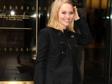 AnnaSophia Robb prays for Arapahoe High and urges action following shooting