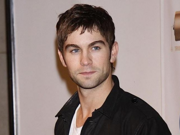 Chace Crawford seduces Brazilian beauty while promoting John John denim