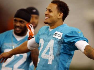 Cortland Finnegan's return to elite form great sight for Dolphins fans