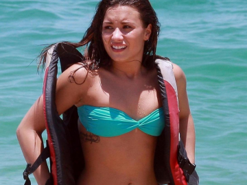 Demi Lovato loves Kim Kardashians body