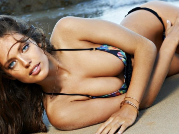 Emily DiDonato a future Sports Illustrated Swimsuit cover girl