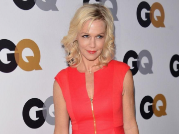 Jennie Garth shines in nude dress for 'Angeleno' as she reveals new man