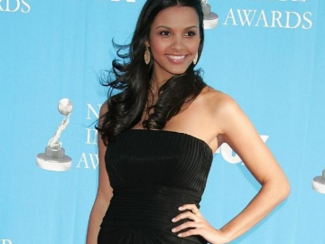 Jessica Lucas opens up about her relationship with The CW