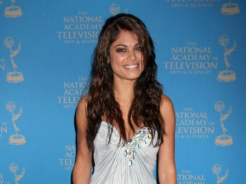 Lindsay Hartley impresses with performance in