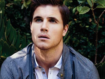 One to Watch: The Tomorrow People star Robbie Amell