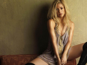 Shakira wins praise for 'football' training of son and criticism of Donald Trump