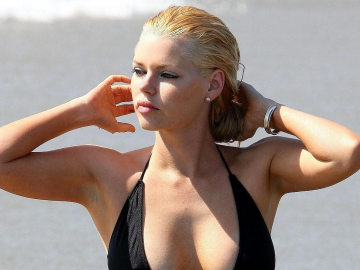 Sophie Monk's full lips turn heads as 'uncensored' project rumours emerge