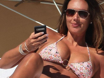 Tamara Ecclestone breastfeeding picture gets mixed response from fans