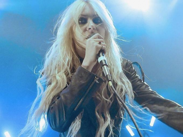 Taylor Momsen and Noel Gallagher to collaborate on song together?