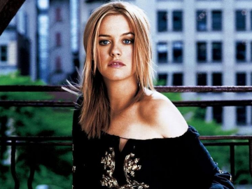 Will Alicia Silverstone's 'Who Gets the Dog' help recapture past movie magic?