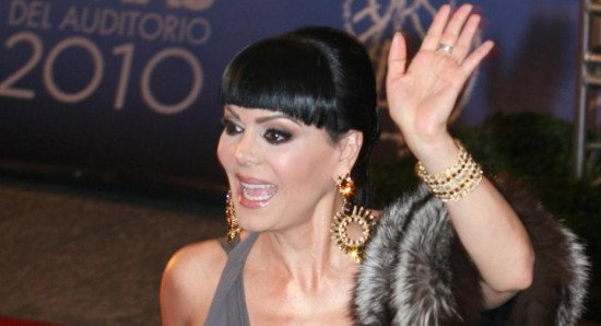 "Maribel Guardia stays in spotlight with ""Rumba and Passion"""