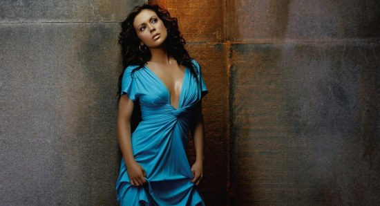 Alyssa Milano looking stunning in blue dress
