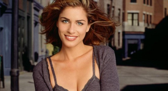 Amanda Peet is a beautiful star