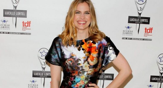 Anna Chlumsky gre into a beautiful woman